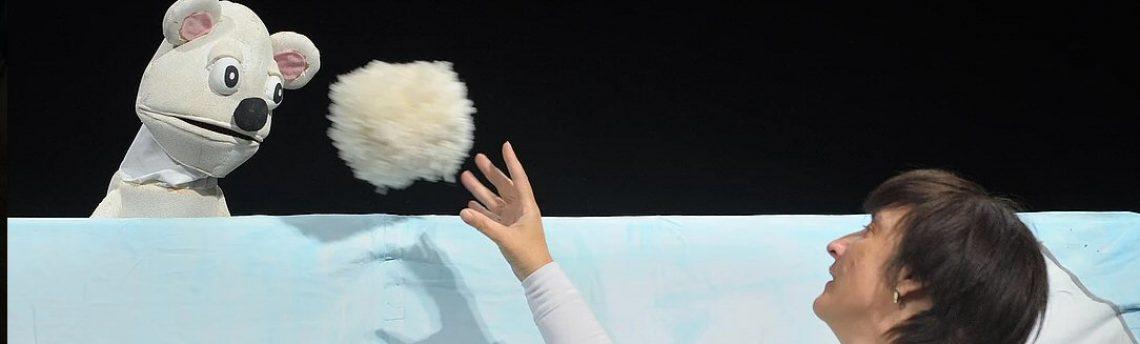 Četrtek, 31. 1. ob 17.00 – lutkovni abonma -Medved in zima – gledališče Makarenko