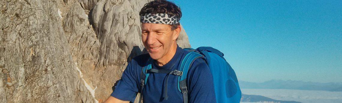 Četrtek, 4. 4. ob 18.30 – Bogdan Biščak – Igra in biseri: Kako sem hčerki z alpinizmom razložil življenje – predstavitev knjige